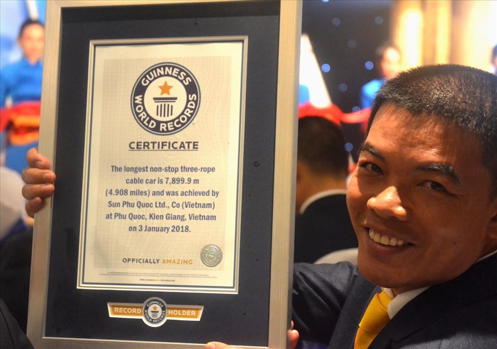 Với chiều dài 7.899,9m - cáp treo Hòn Thơm được công nhận là cáp treo 3 dây dài nhất thế giới. Ảnh: Lục Tùng