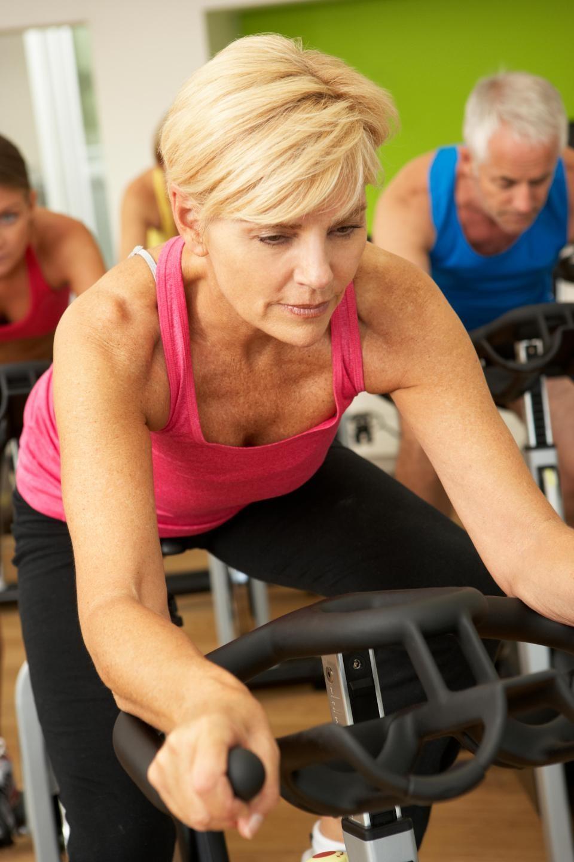 Những người trung niên duy trì việc tập thể dục thể thao sẽ rất khỏe mạnh và có khả năng kéo dài tuổi thọ. Nguồn: Báo The Sun (Anh)