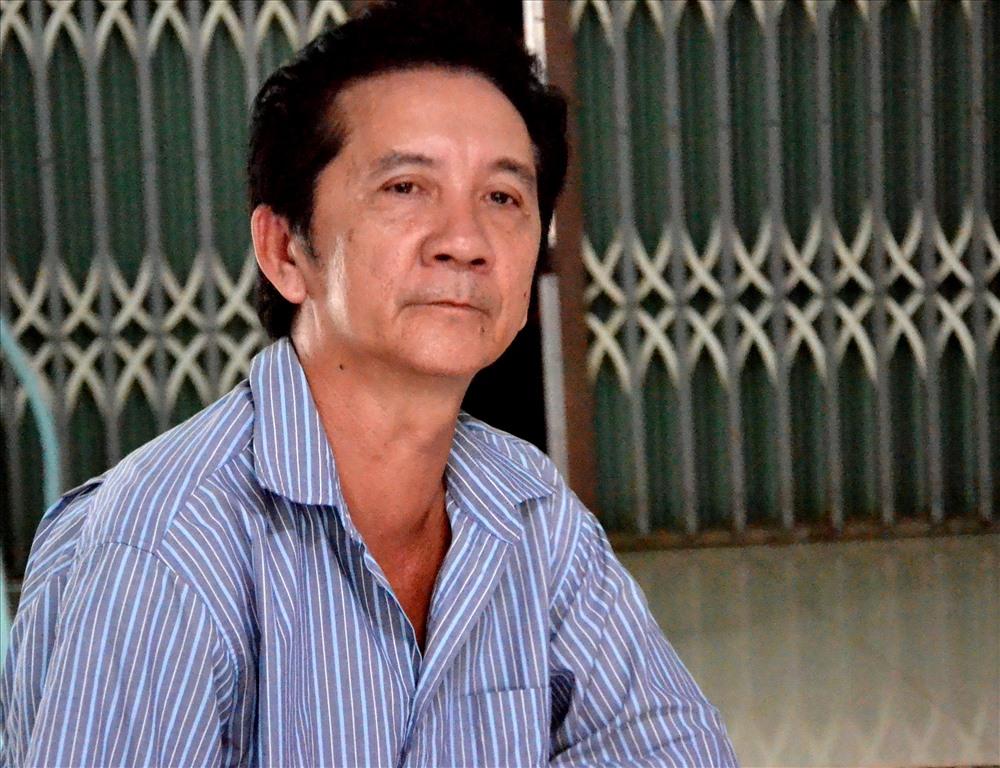 Ông Phùng Hữu Hòa, cha ruột học sinh PTMT khẳng định gia đình đã có đơn yêu cầu không xử lý hình sự vụ việc. Ảnh: Lục Tùng