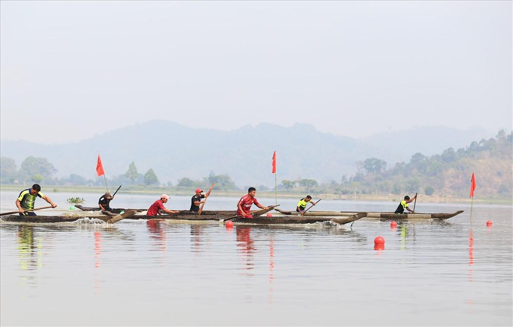 Theo ban  tổ chức, các đội thi đấu ở 3 nội dung gồm đua thuyền 2 vận động viên, đua thuyền 3 vận động viên và đua thuyền 4 VĐV kết hợp.