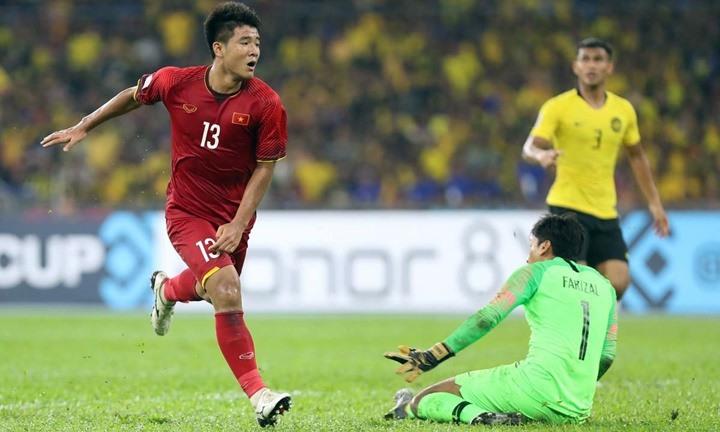 Một pha bỏ lỡ khó tin khi đối diện với thủ môn của Đức Chinh. Ảnh: Đức Đồng