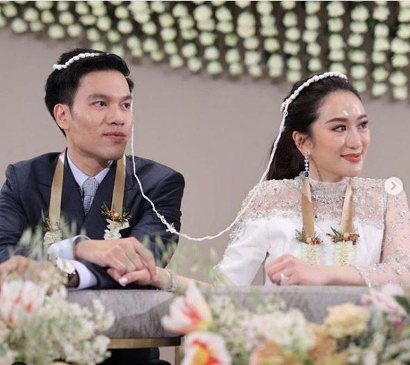 Con gái út của ông Thaksin cưới Pidok Sooksawas - một phi công chuyên nghiệp. Ảnh: IT.