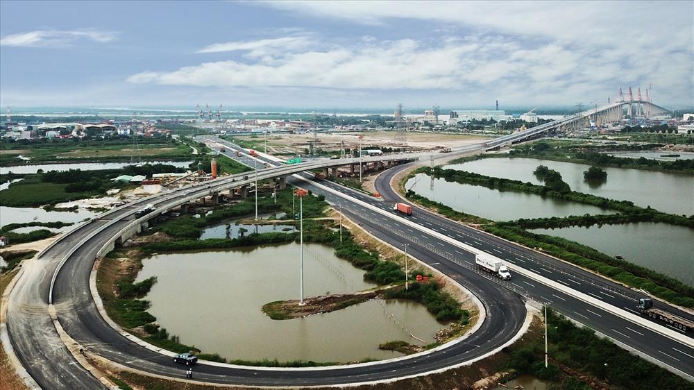 Cao tốc Hạ Long - Hải Phòng. Khi cao tốc Vân Đồn - Móng Cái đi vào hoạt động, Quảng Ninh là địa phương trong cả nước có 3 tuyến cao tốc, được xây dựng bằng hình thức hợp tác công tư. Ảnh: Đỗ Phương