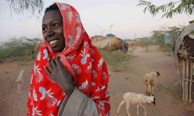 """""""Mỗi ngày tôi thức dậy và mỉm cười với chính mình"""", Norkorchom từ Turkana. Ảnh: Georgina Goodwin"""
