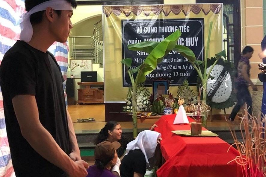 8 em học sinh tại Hòa Bình đã bị đuối nước, tử vong thương tâm khi ra sông tắm. Ảnh: C.N