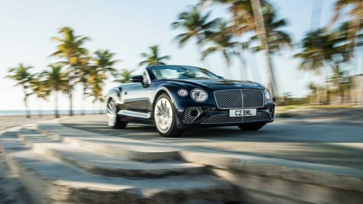 Mới đây, hãng xe sang đến từ Anh Quốc đã ra mắt phiên bản động cơ V8 tăng áp kép dành cho dòng Grand Tourer sang trọng – Continental GT và Continental GT Convertible.