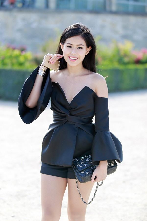 Thảo Tiên  trở thành gương mặt quen thuộc và thường ngồi ghết VIP của rất nhiều những nhà mốt lừng danh trong khuôn khổ Tuần lễ thời trang quốc tế: Chanel, Hermes, Burberry, Dior...