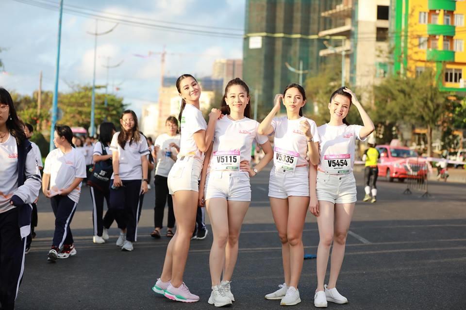 Đây là lần đầu tiên hoa hậu Việt Nam 2018 Trần Tiểu Vy và Á hậu Bùi Phương Nga mới lần đầu tiên tham dự giải chạy này.