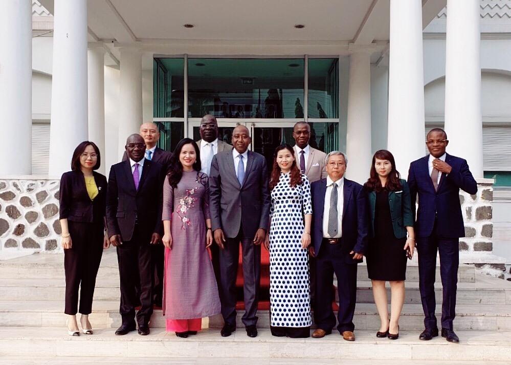 Đoàn công tác Tập đoàn T&T Group tiếp kiến Thủ tướng Chính phủ Bờ Biển Ngà trong chuyến công tác vào tháng 12.2018.