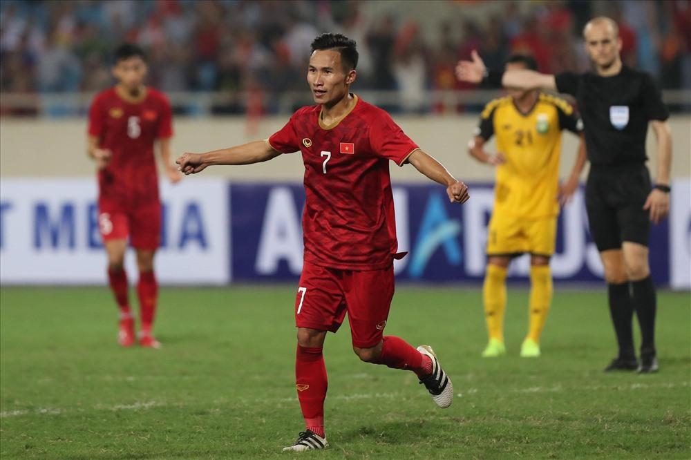 Việt Hưng để lại dấu ấn sau 2 trận liên tiếp được HLV Park Hang-seo trao cơ hội đá chính. Ảnh: Sơn Tùng