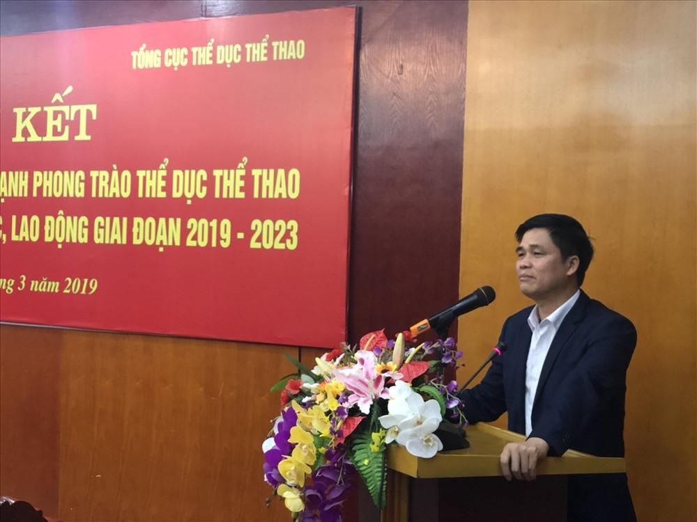 Phó Chủ tịch Tổng LĐLĐVN Ngọ Duy Hiểu phát biểu tại lễ ký kết.