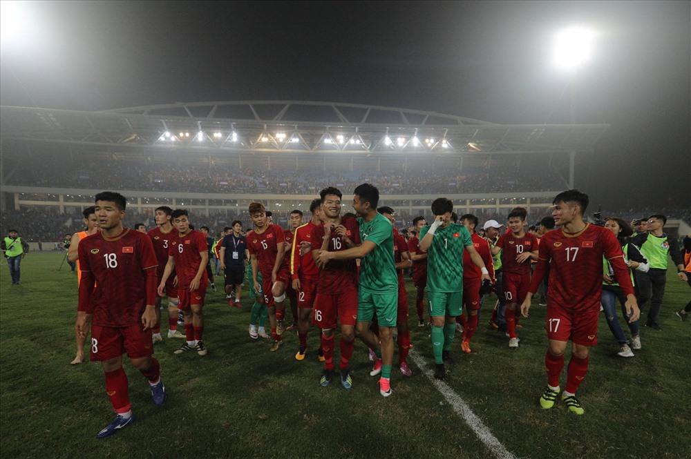 Chiến thắng khó tin 4-0 trước đại kình địch Thái Lan, U23 Việt Nam đoạt vé dự VCK U23 châu Á 2020 - giải đấu mà thầy trò HLV Park Hang Seo đang là đương kim Á quân, sau 3 trận toàn thắng, với ngôi nhất bảng K.