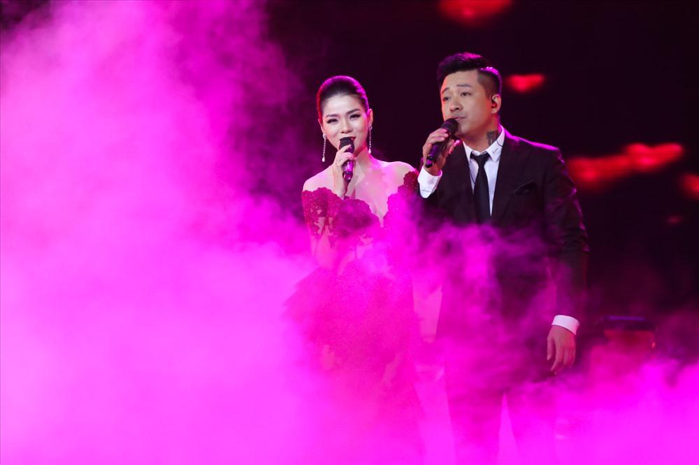 Tuấn Hưng là khách mời đặc biệt trong đêm diễn của Lệ Quyên.