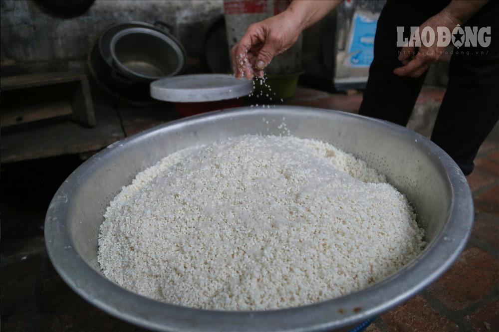 gạo gói bánh dâng lên vua Hùng là loại gạo ngon, được chọn lựa rất kỹ