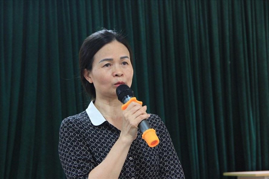 Bà Ngô Thị Thu Anh - Hiệu trưởng Trường THCS Trần Phú cung cấp thông tin ban đầu về vụ việc.
