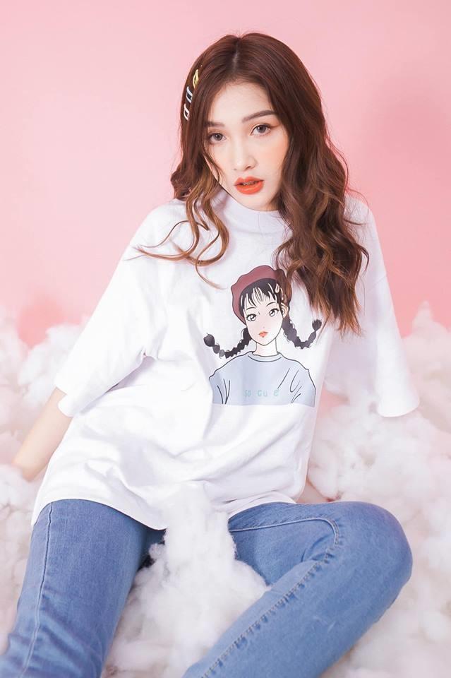 Ngoài đời, Linh Thỏ là gương mặt quen thuộc của một số nhãn hàng quần áo. Cô cũng được yêu mến bởi nhan sắc trong sáng, dễ thương và nói không với khoe thân như những hot girl khác.