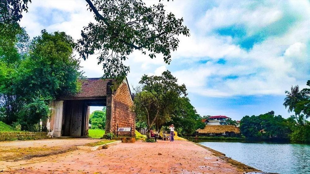 Đường Lâm là một xã thuộc thị xã Sơn Tây, Hà Nội. Nơi đây là làng cổ đầu tiên ở Việt Nam được Nhà nước trao bằng Di tích lịch sử văn hóa quốc gia ngày 19.5.2006. Ảnh: Báo du lịch