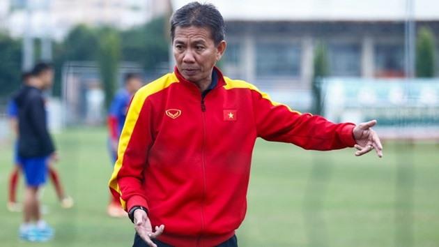 HLV Hoàng Anh Tuấn là ban huấn luyện U18 Việt Nam không đặt nặng mục tiêu thành tích ở giải đấu này. Ảnh: VFF