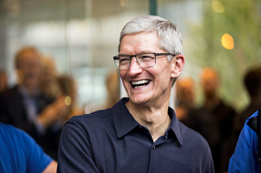 CEO của Apple chia sẻ mất mát to lớn cùng người Pháp trên trang cá nhân. Ông cũng khẳng định sẽ đóng góp trong công cuộc xây dựng lại Nhà thờ Đức Bà, nhưng không tiết lộ số tiền là bao nhiêu. Ảnh: IDownloadBlog