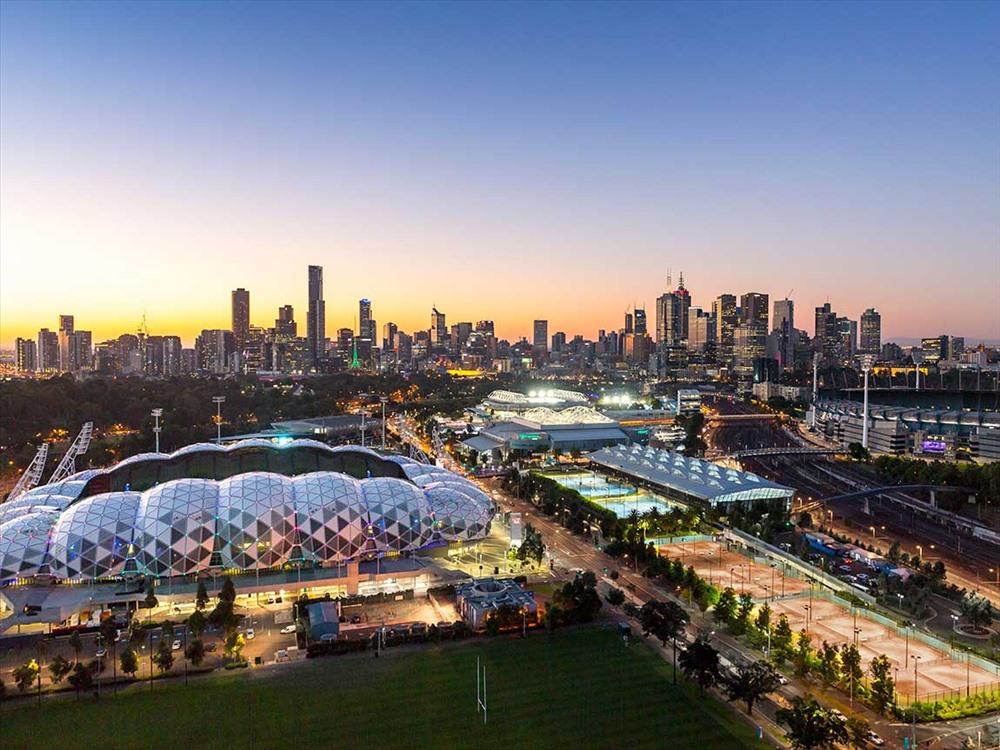 Melbourne là thủ phủ và thành phố lớn nhất bang Victoria, và là thành phố lớn thứ hai ở Úc. Thành phố này đang có giá nhà xếp số 4 trên thế giới.