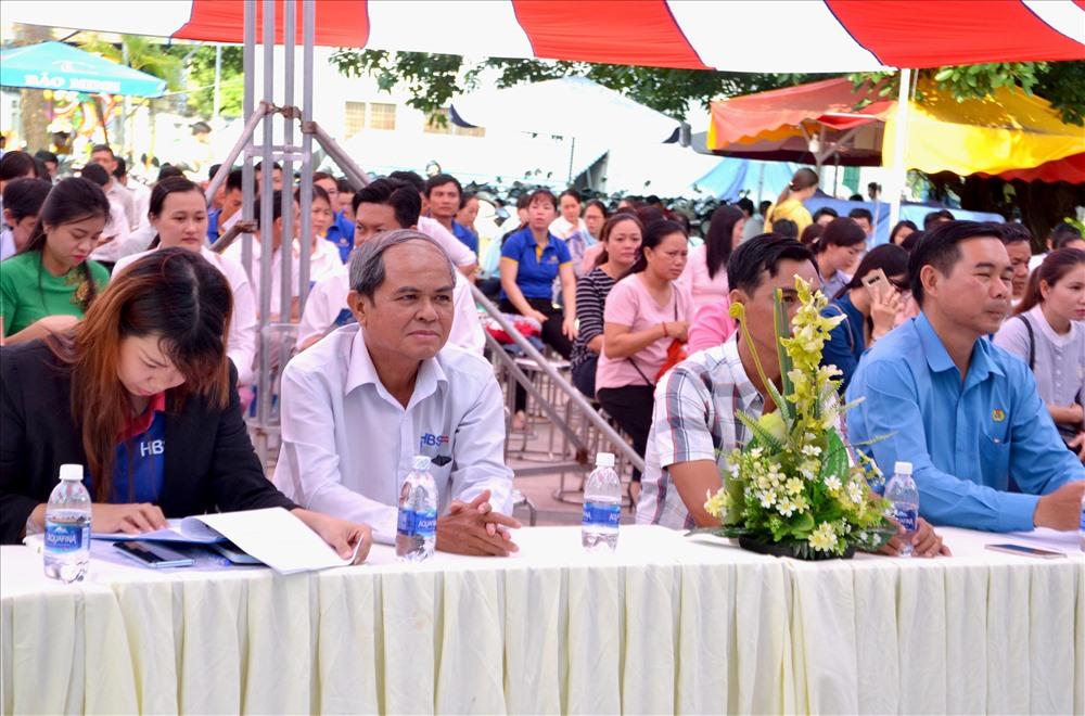 Buổi lễ thu hút trên 500 đại biểu là cán bộ CĐ, đoàn viên, CNVCLĐ. Ảnh: Lục Tùng
