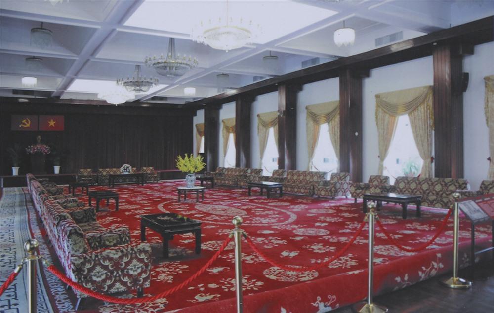 Phòng Khánh tiết có sức chứa 500 người để tổ chức các cuộc họp, chiêu đãi, lễ ra mắt Nội các