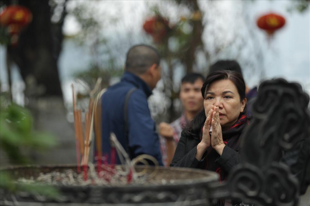 Với lịch sử gần 1.500 năm của mình, chùa Trấn Quốc được coi là ngôi chùa lâu đời nhất ở Thăng Long - Hà Nội và từng là Trung tâm Phật giáo của kinh thành Thăng Long vào thời nhà Lý và nhà Trần.