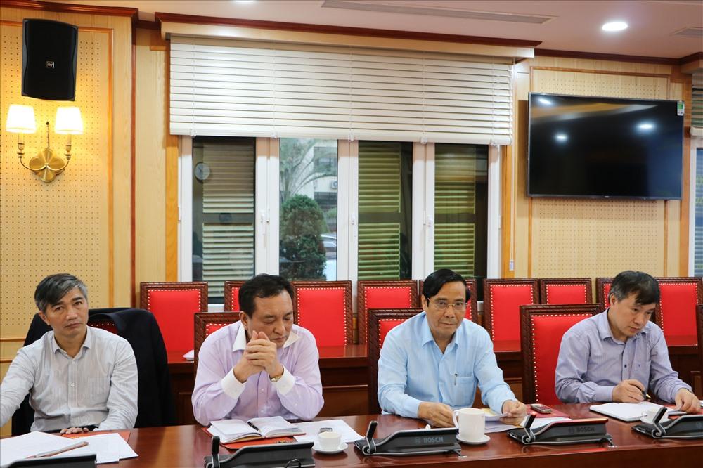 Đồng chí Nguyễn Thanh Bình, Ủy viên Trung ương Đảng, Bí thư Đảng ủy, Phó Trưởng ban Thường trực Ban Tổ chức Trung ương (thứ 2 từ phải sang) tại buổi làm việc. Ảnh: Quế Chi