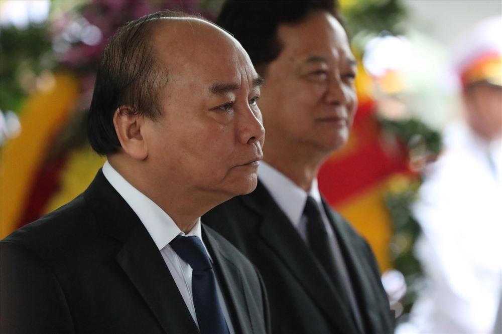 Đoàn Chính phủ do đồng chí Nguyễn Xuân Phúc, Ủy viên Bộ Chính trị, Thủ tướng Chính phủ làm Trưởng đoàn vào viếng nguyên Đại tướng Lê Đức Anh và chia buồn cùng gia quyến.