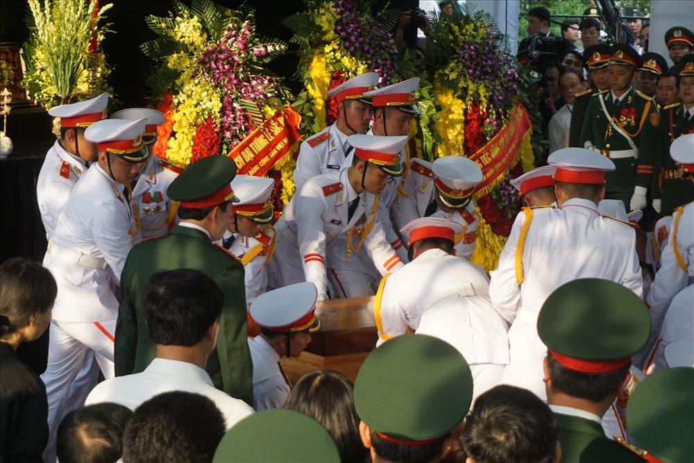 Lễ hạ huyện linh cữu nguyên Chủ tịch nước, đại tướng Lê Đức Anh.
