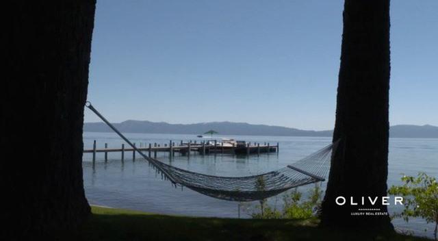 Căn nhà nhìn ra hồ Lake Tahoe với khu bờ riêng dài hơn 60 mét.