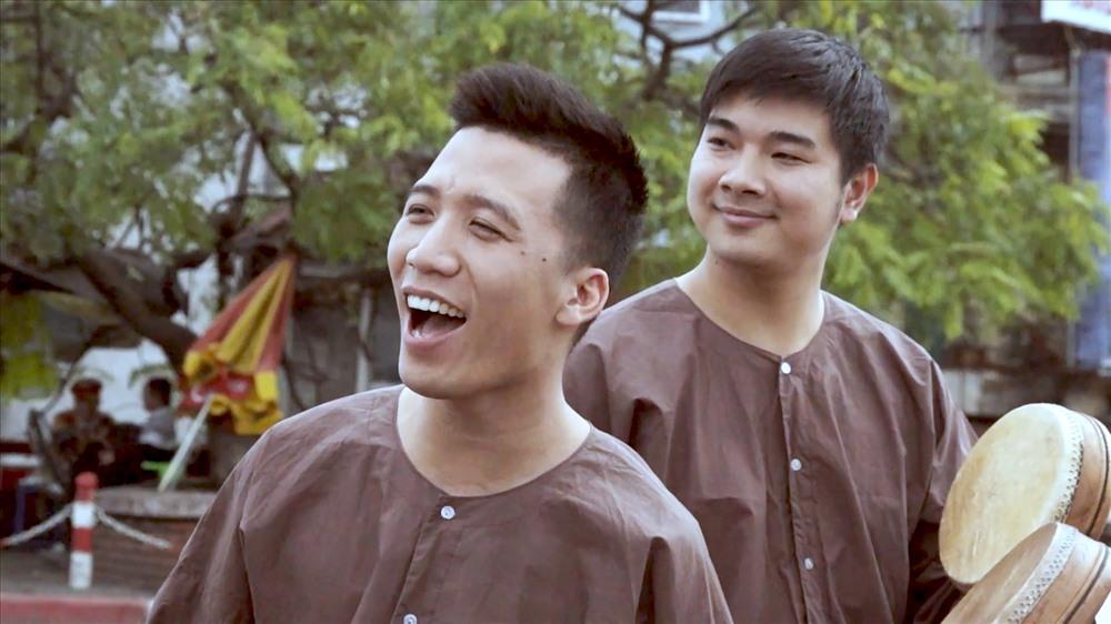 Nghệ sĩ Thanh Sơn - Trần Hậu.