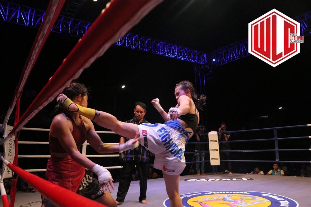Huỳnh Hà Hữu Hiếu đã giành chiến thắng thuyết phục trước võ sĩ nước chủ nhà Myanmar - Eh Eh. Ảnh: WLC - World Lethwei Championship