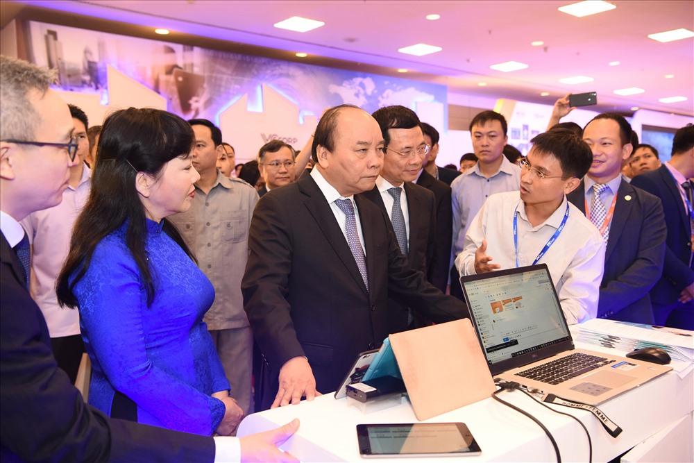 Bộ thông tin và các doanh nghiệp lớn, tiêu biểu cùng chuyên gia nước ngoài sẽ đưa ra các thảo luận cũng như bài học kinh nghiệm,  theo định hướng đưa Việt Nam trở thành cường quốc về công nghệ.
