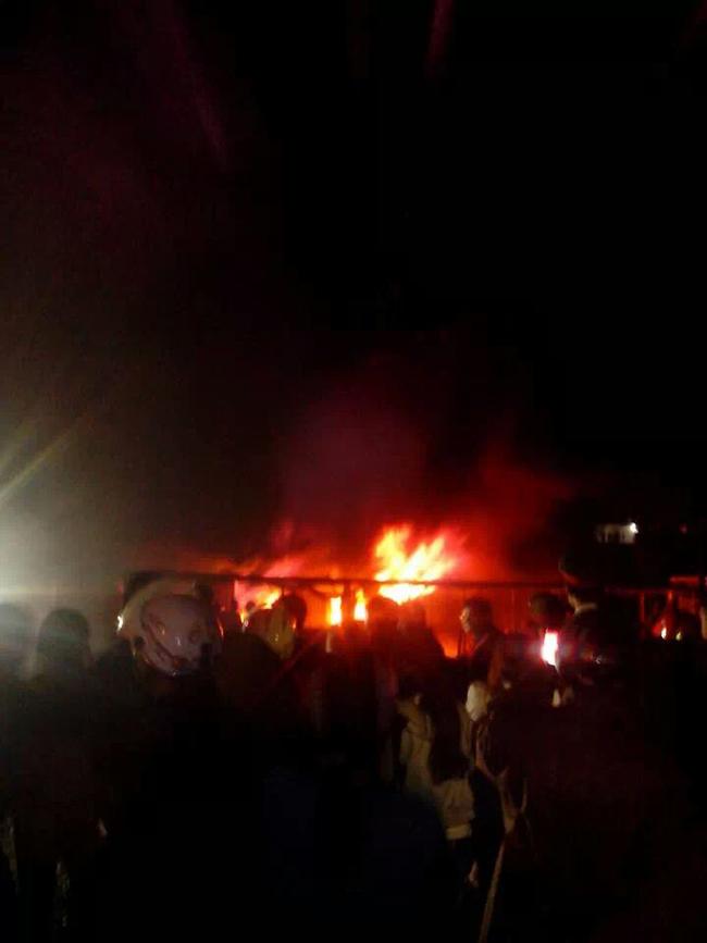 Hưng Yên: Chợ Phố Hiến bốc cháy dữ dội giữa đêm khuya
