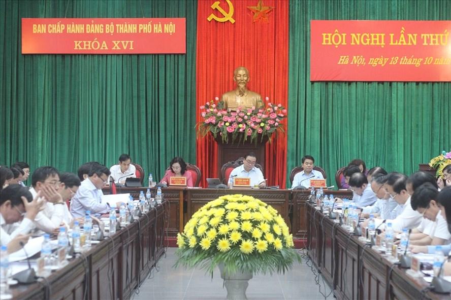 Hội nghị lần thứ 10 Ban Chấp hành Đảng bộ TP Hà Nội. Ảnh PV