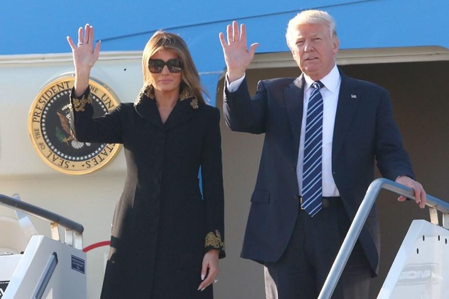 Tổng thống Mỹ Donald Trump trong một chuyến công du. Ảnh: Newsweek.
