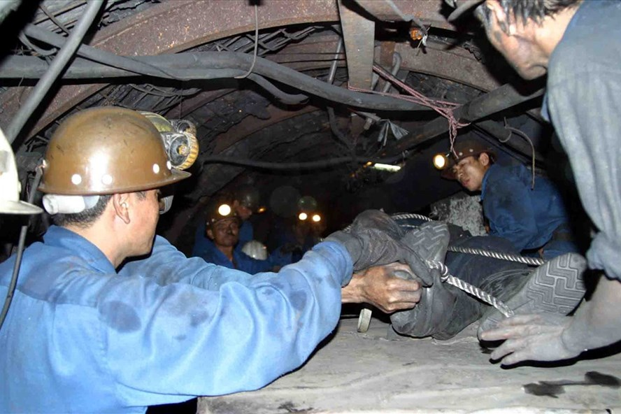 Một vụ tai nạn lao động nghiêm trọng  ở Cty than Mông Dương  xảy ra cách đây vài năm. Ảnh: T.N.D
