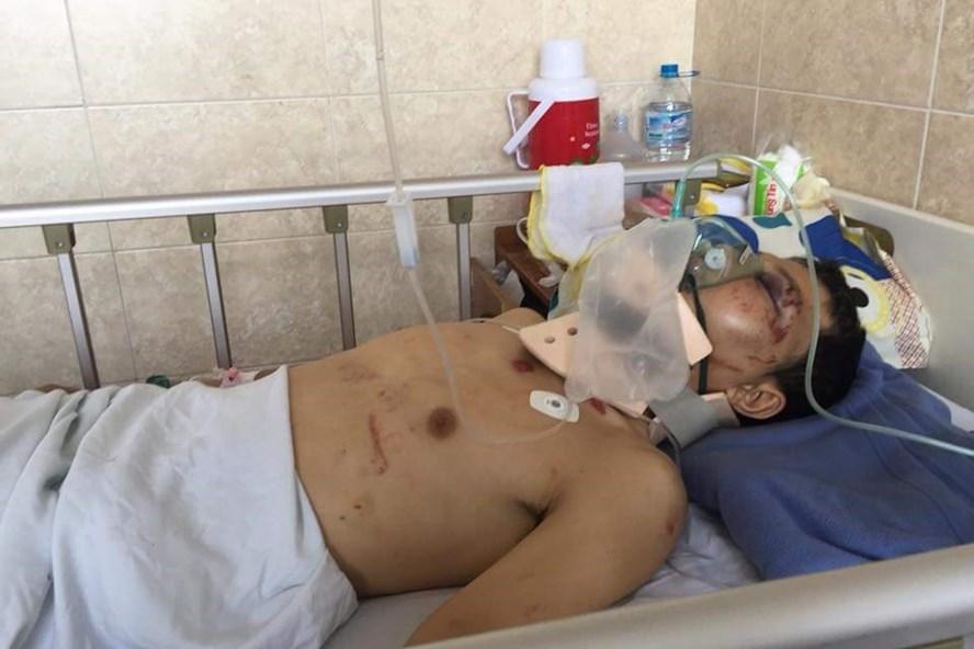 Anh Hoàng Gia Thanh bị tai nạn giao thông đang phải cấp cứu.