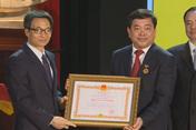 Phó Thủ tướng Vũ Đức Đam chúc mừng thầy cô ĐH KTQD nhân ngày nhà giáo Việt Nam