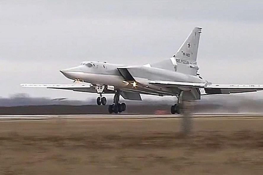 Máy bay ném bom tầm xa Tu-22M3. Ảnh: TASS
