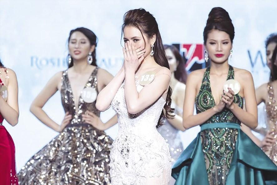 Tân hoa hậu Sắc đẹp hoàn mỹ toàn cầu 2017 Thư Dung bị Phan Anh từ chối đặt câu hỏi. Ảnh: T.L