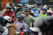 Hà Nội: Hàng nghìn ôtô, xe máy kẹt cứng trong mưa rét