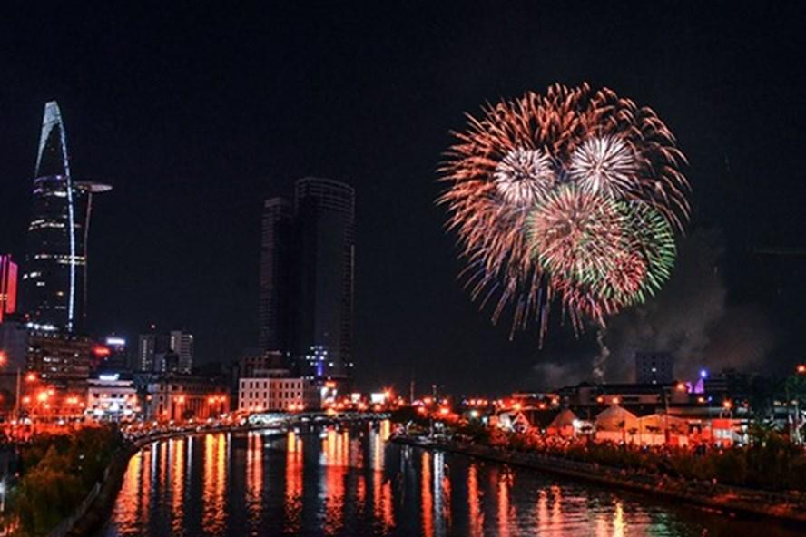TP HCM sẽ bắn pháo hoa tại 4 điểm để mừng Tết Dương lịch 2018.