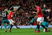 Hòa nhạt nhẽo Southampton, Man United mất ngôi nhì bảng