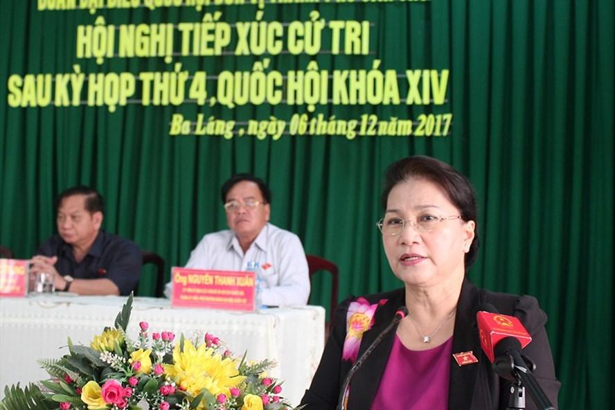 Chủ tịch Quốc hội Nguyễn Thị Kim Ngân phát biểu tại buổi tiếp xúc cử tri. Ảnh: Tr.L.