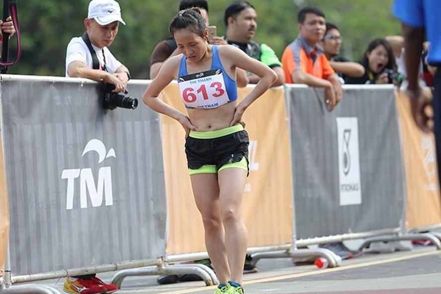 Nữ VĐV marathon Hoàng Thị Thanh. Ảnh: S.N