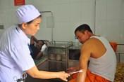 Quảng Trị: Khách hàng đánh nhân viên điện lực nhập viện