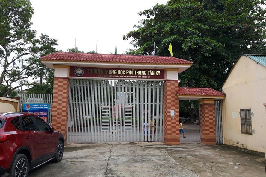 Trường THPT Tân Kỳ (Nghệ An), nơi xảy ra sự việc giáo viên phản ứng tờ trình của Hiệu trưởng. Ảnh: QĐ