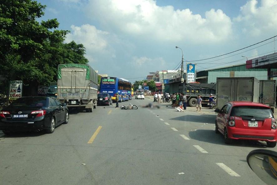 Vụ tai nạn nghiêm trọng xảy ra tại xã Kim Động, Hưng Yên. Ảnh: Hoàng Minh